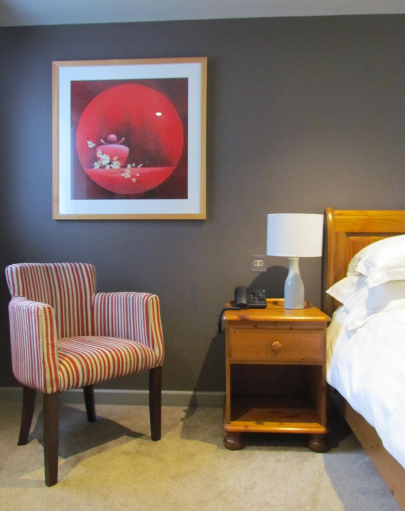 Hotel bedroom at the Bird in Hand, Witney